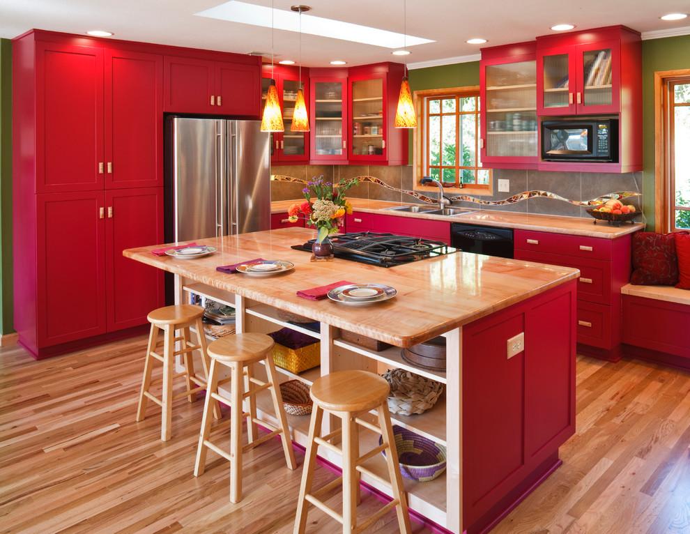 Яркая и эффектная красная кухня — выбор смелых и энергичных людей