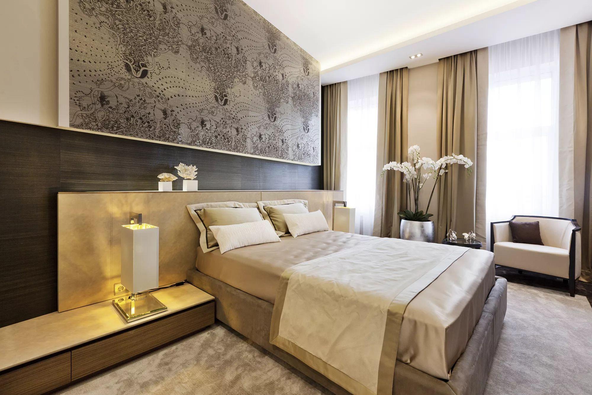 В этом стиле классическим считается сочетание бронзового и золотого цвета