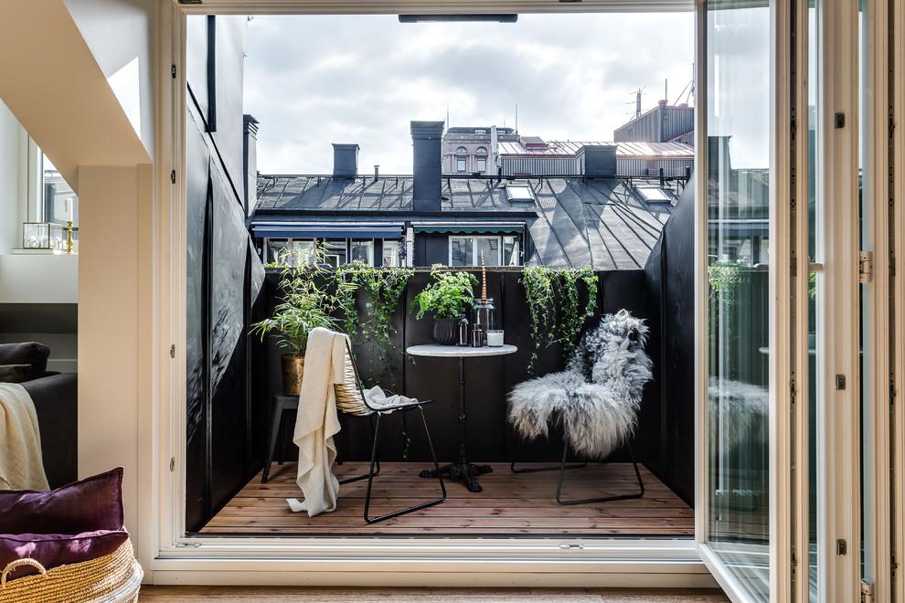 Уютная зона отдыха под открытым воздухом, примыкающая к гостиной