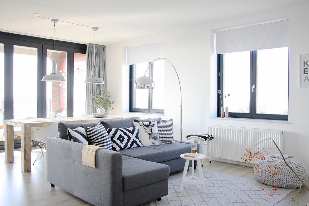Столовая-гостиная, оформленная в скандинавском стиле