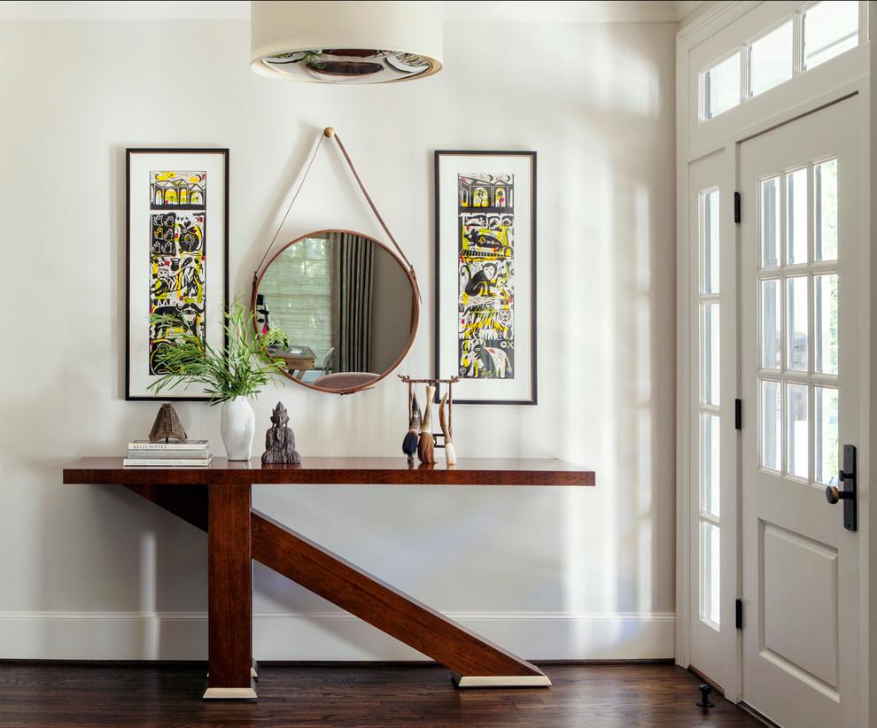 Стильный консольный столик с асимметричным дизайном