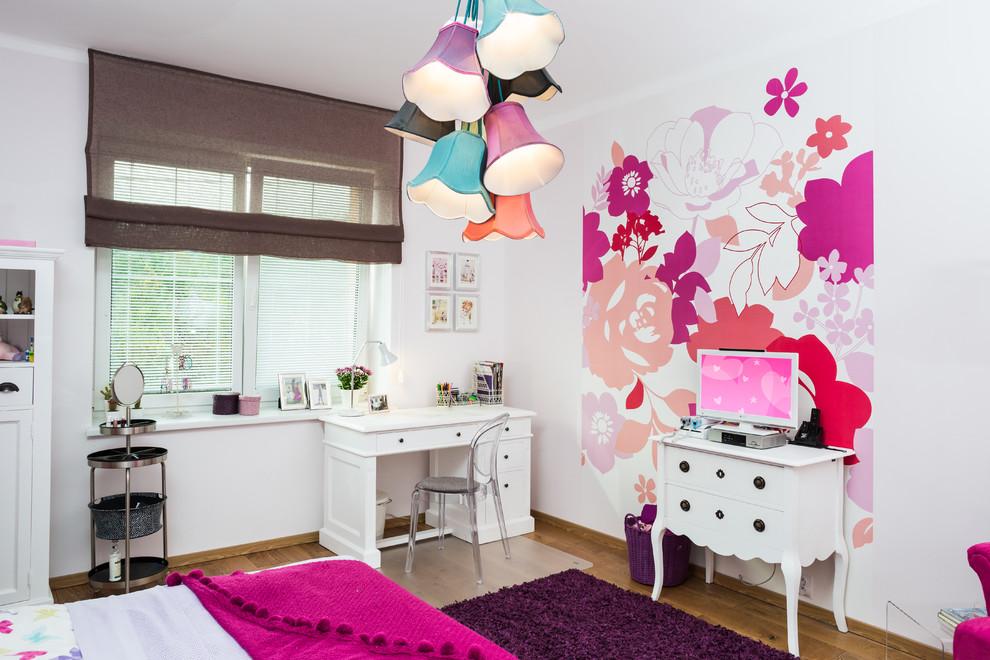 Пестрый интерьер комнаты для девочки