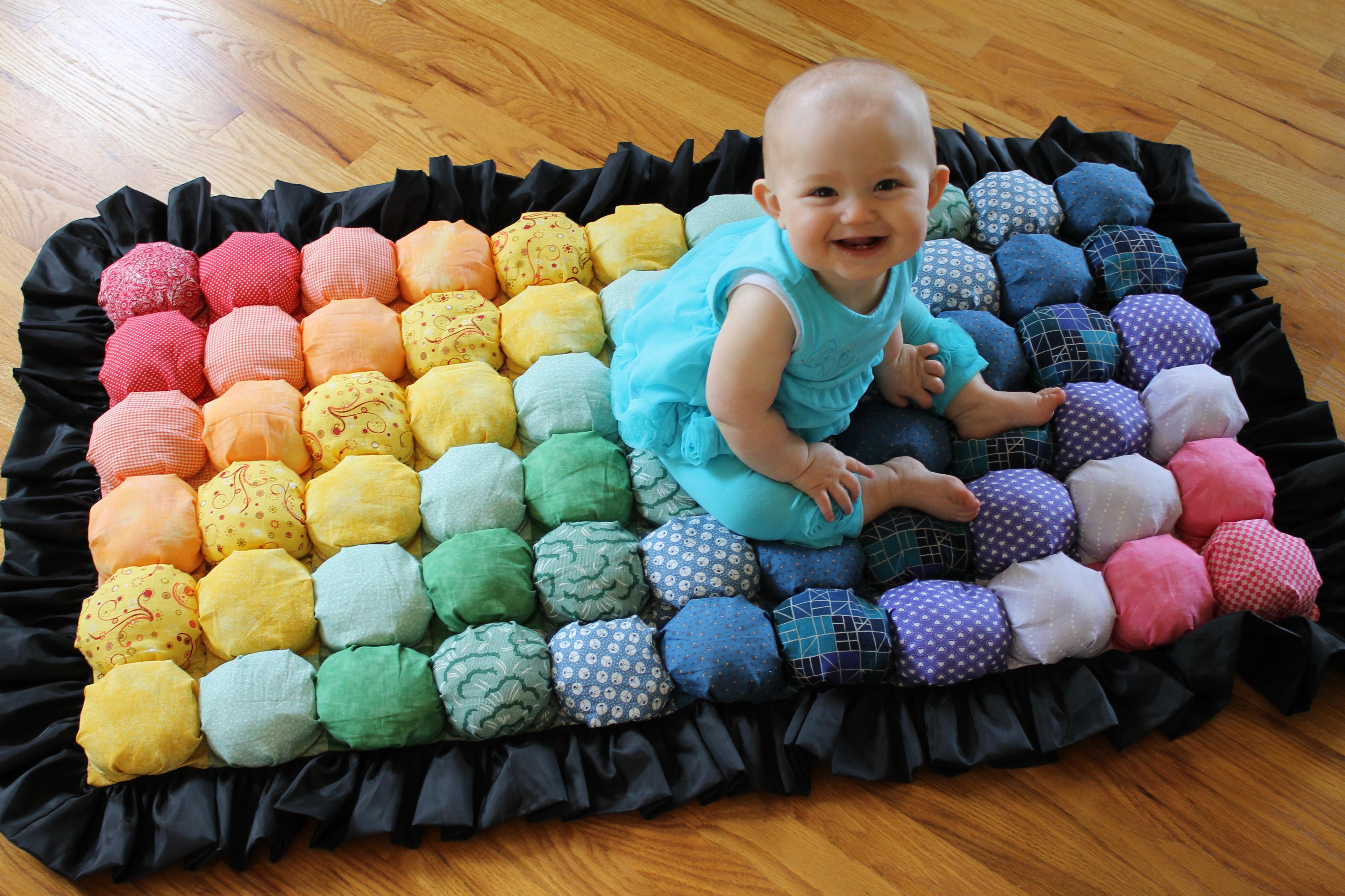 Получилось замечательное детское одеяло