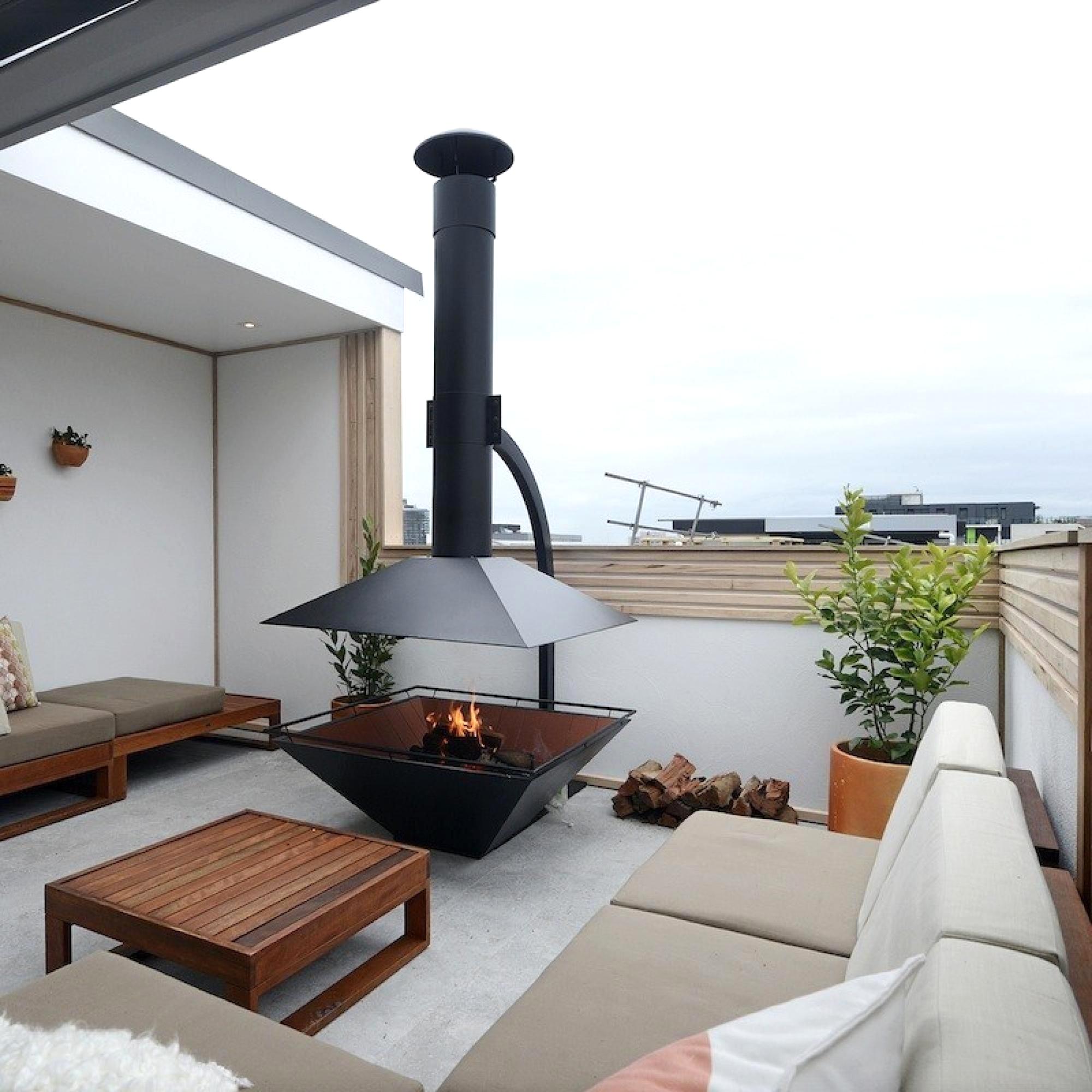 Дом из пеноблоков с открытой летней террасой