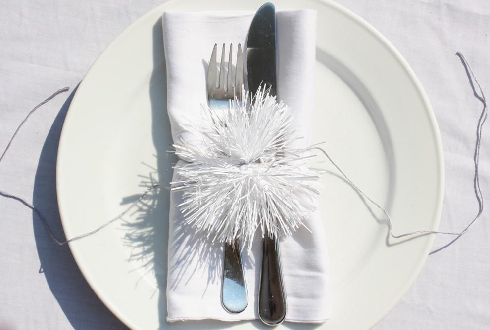 Сервировка стола в белом цвете
