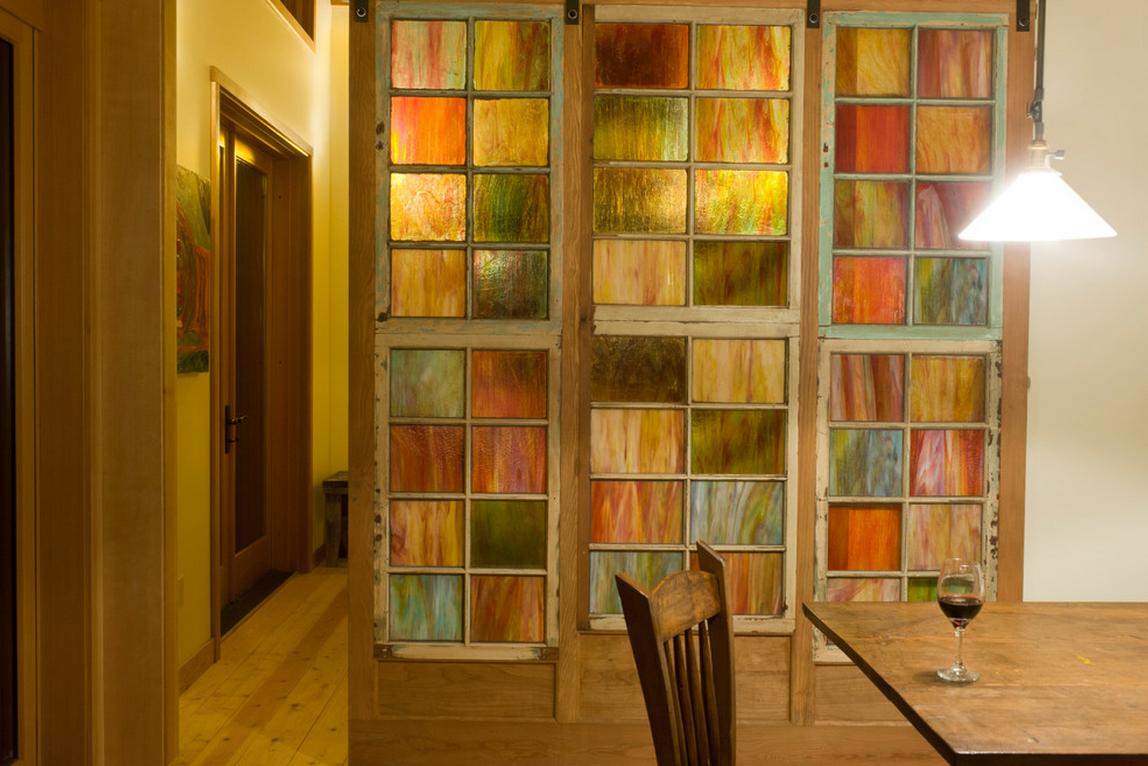 Раздвижные межкомнатные двери помогают сегодня создавать удобные и оригинальные интерьерные решения