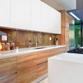 60+ Идей фартука для кухни из стекла: новое слово в отделке кухонных поверхностей (фото) фото