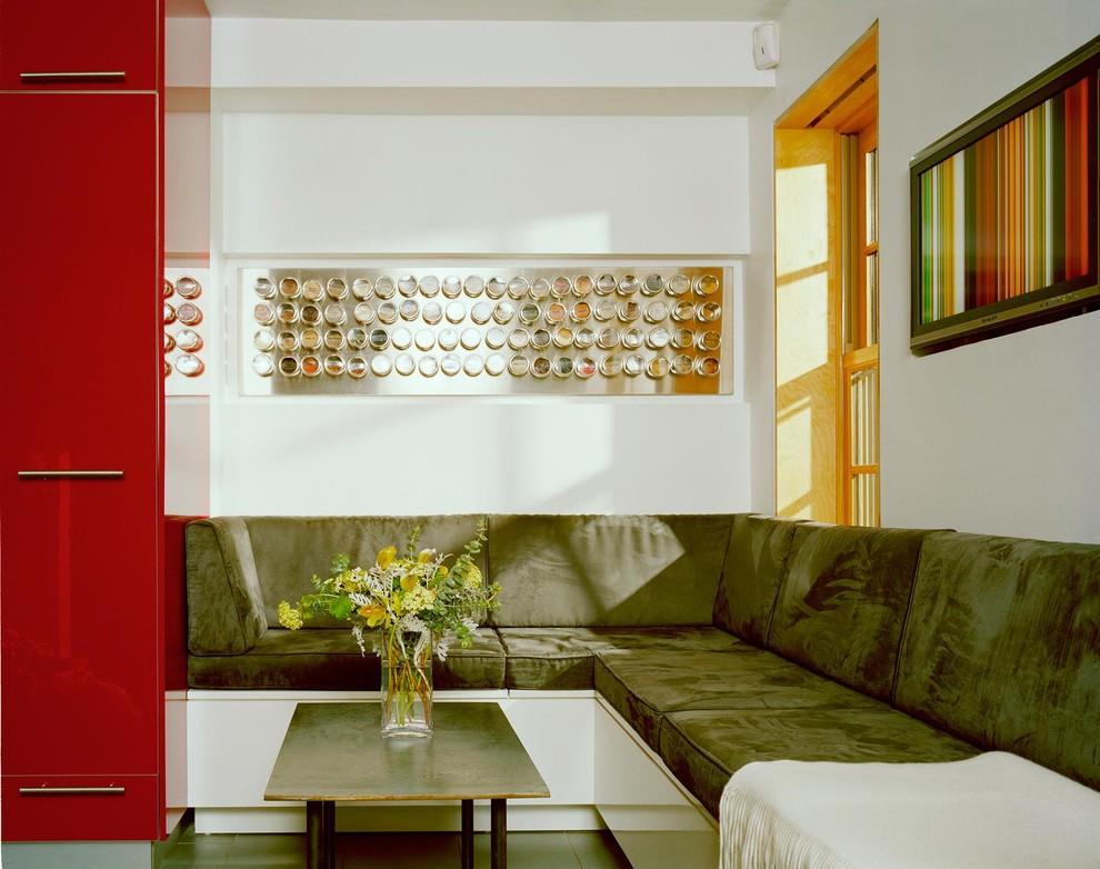 Красивые баночки для специй послужат отличным декором для вашей кухни