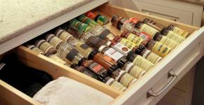 Хранение специй на кухне: 95+ функциональных идей для тех, кто привык к бескомпромиссному порядку фото