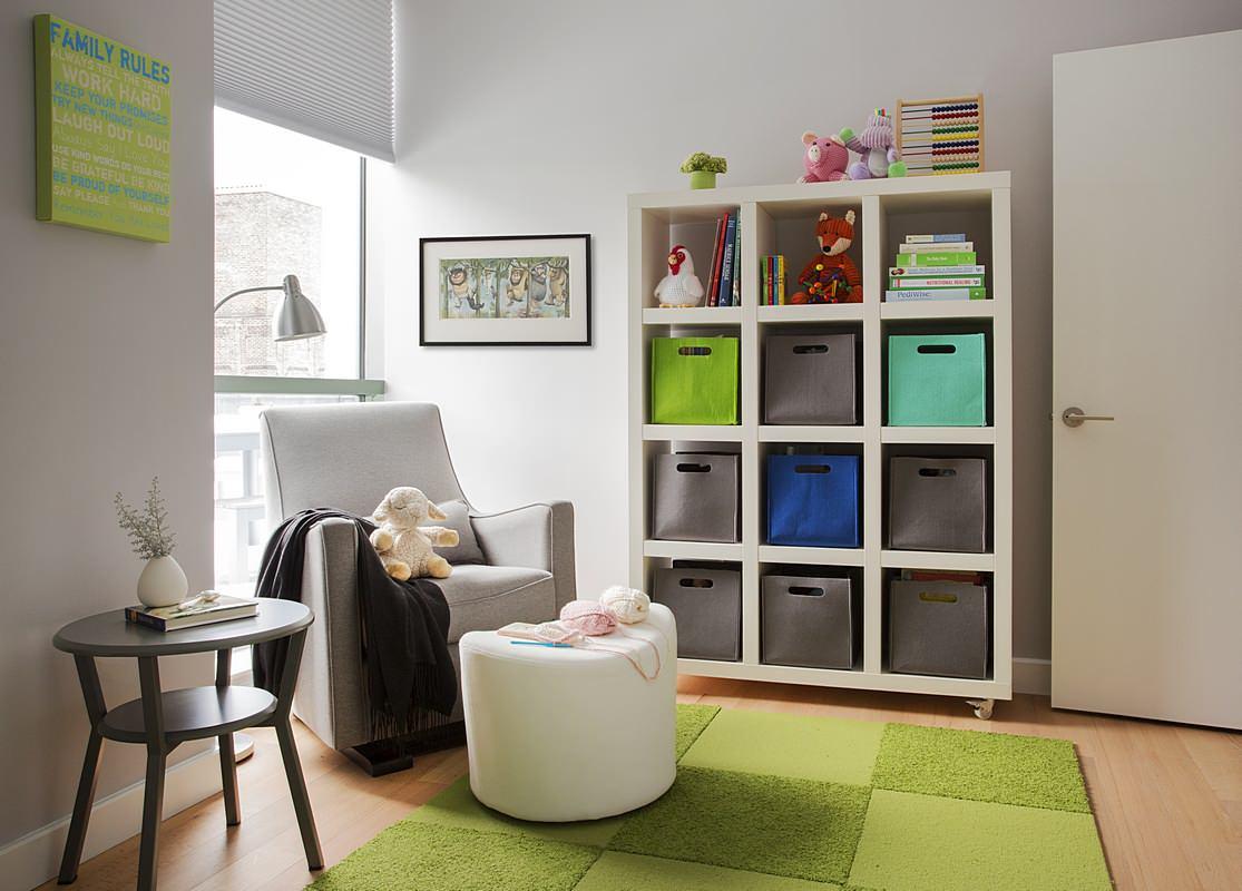 Ящики для игрушек в интерьере детской комнаты