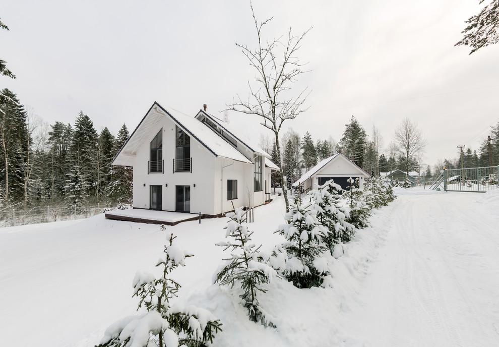 Просторный красивый коттедж минималистической постройки