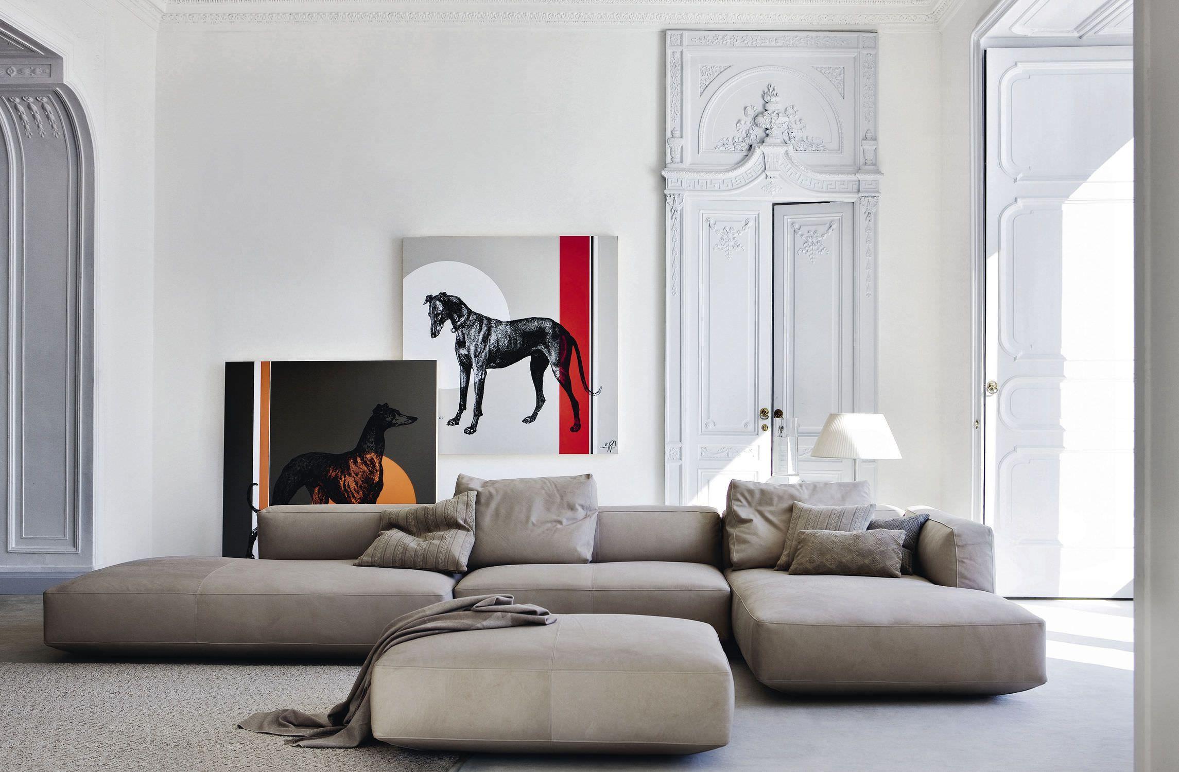 Возможность создать наиболее подходящий для интерьера диван дает значительное преимущество модульным диванам перед другими