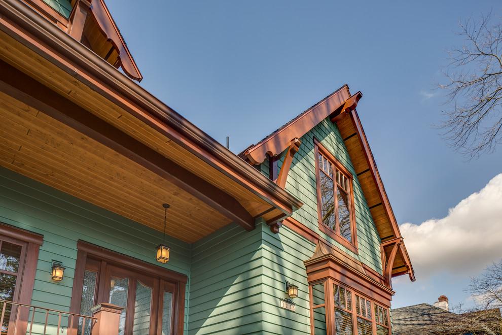 Брусчатый дом в классическом стиле с мансардой