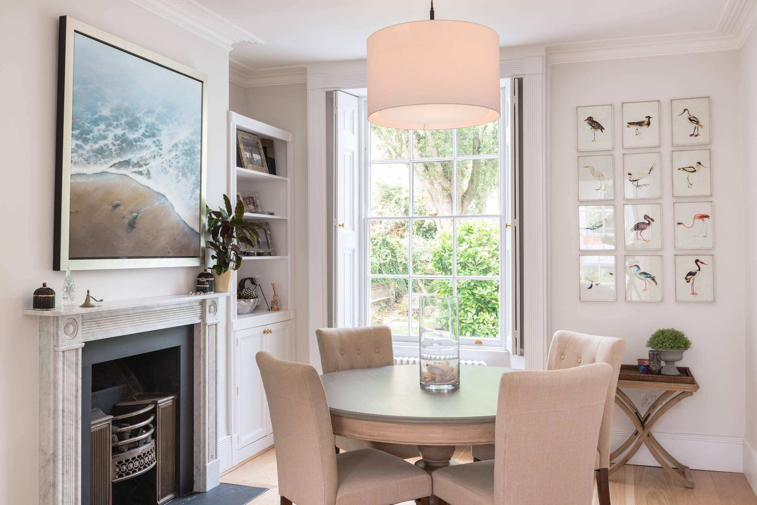 Круглый столик - универсальное решение для любой квартиры