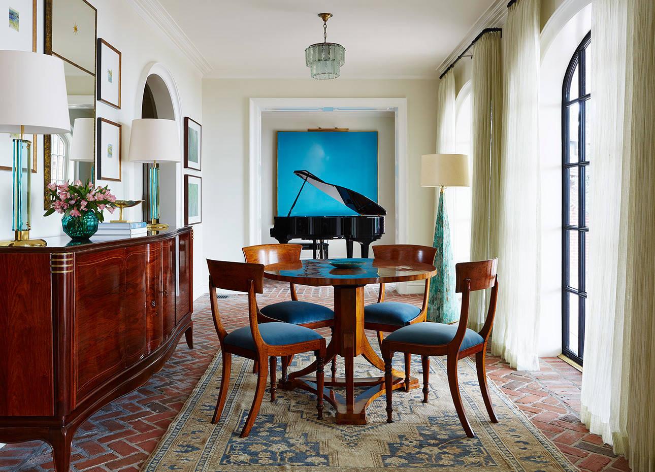 Мебель из натурального дерева придаст чувство роскоши вашему интерьеру