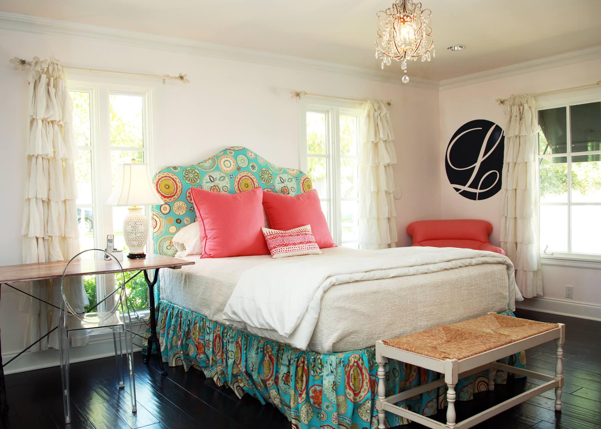 Кровати с каркасами, изготовленными из ДСП (МДФ) более доступны по цене