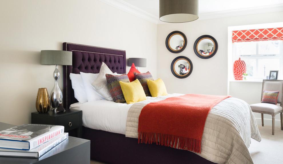 Контрастный интерьер классической спальни