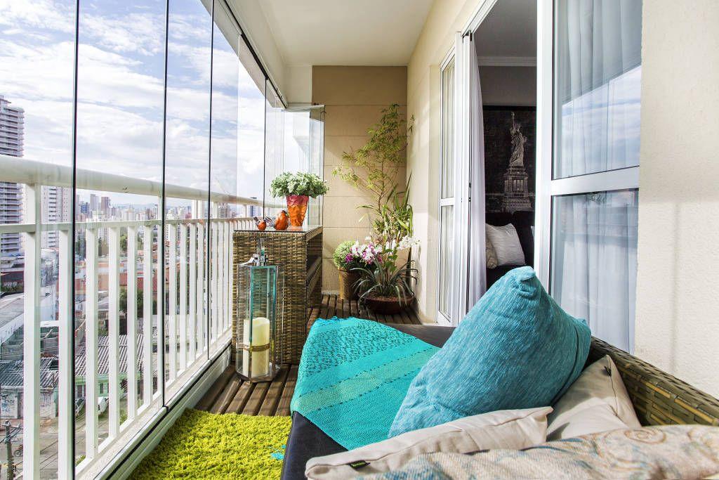 Остекленный балкон выглядит стильно и прослужит вам несколько десятилетий