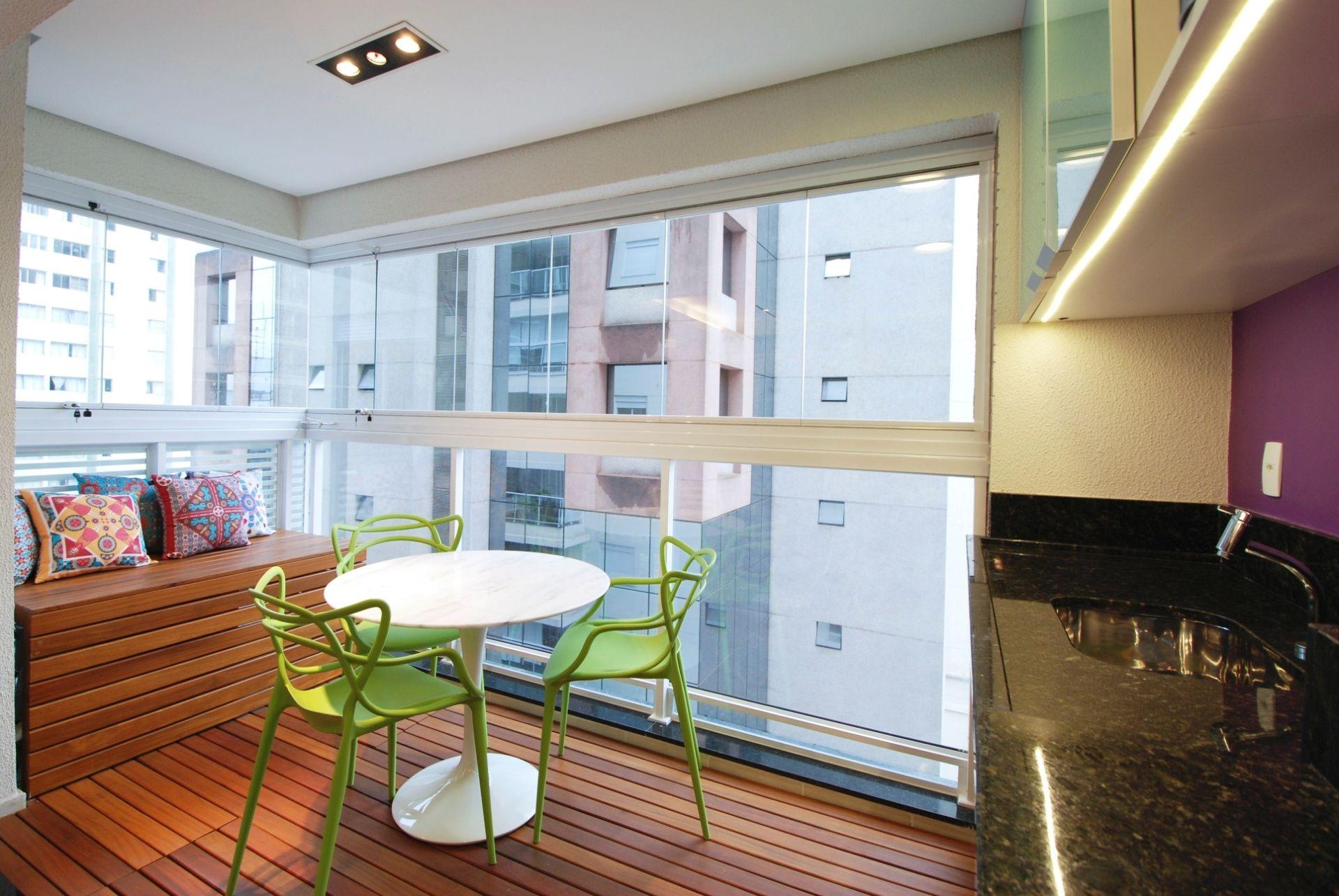 Кухня, объединенная с балконом