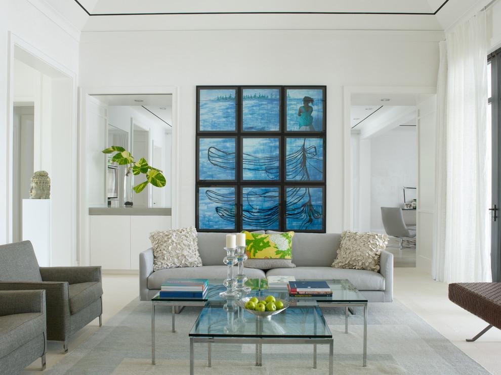 Абстрактная модульная картина в интерьере гостиной