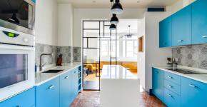 Голубая кухня (115+ фото небесных интерьеров): стильный дизайн для бело-голубых и серо-голубых кухонь фото