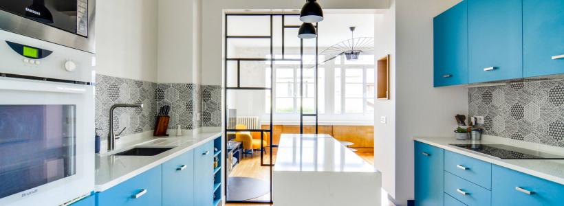 Голубая кухня (115+ фото небесных интерьеров): стильный дизайн для бело-голубых и серо-голубых кухонь