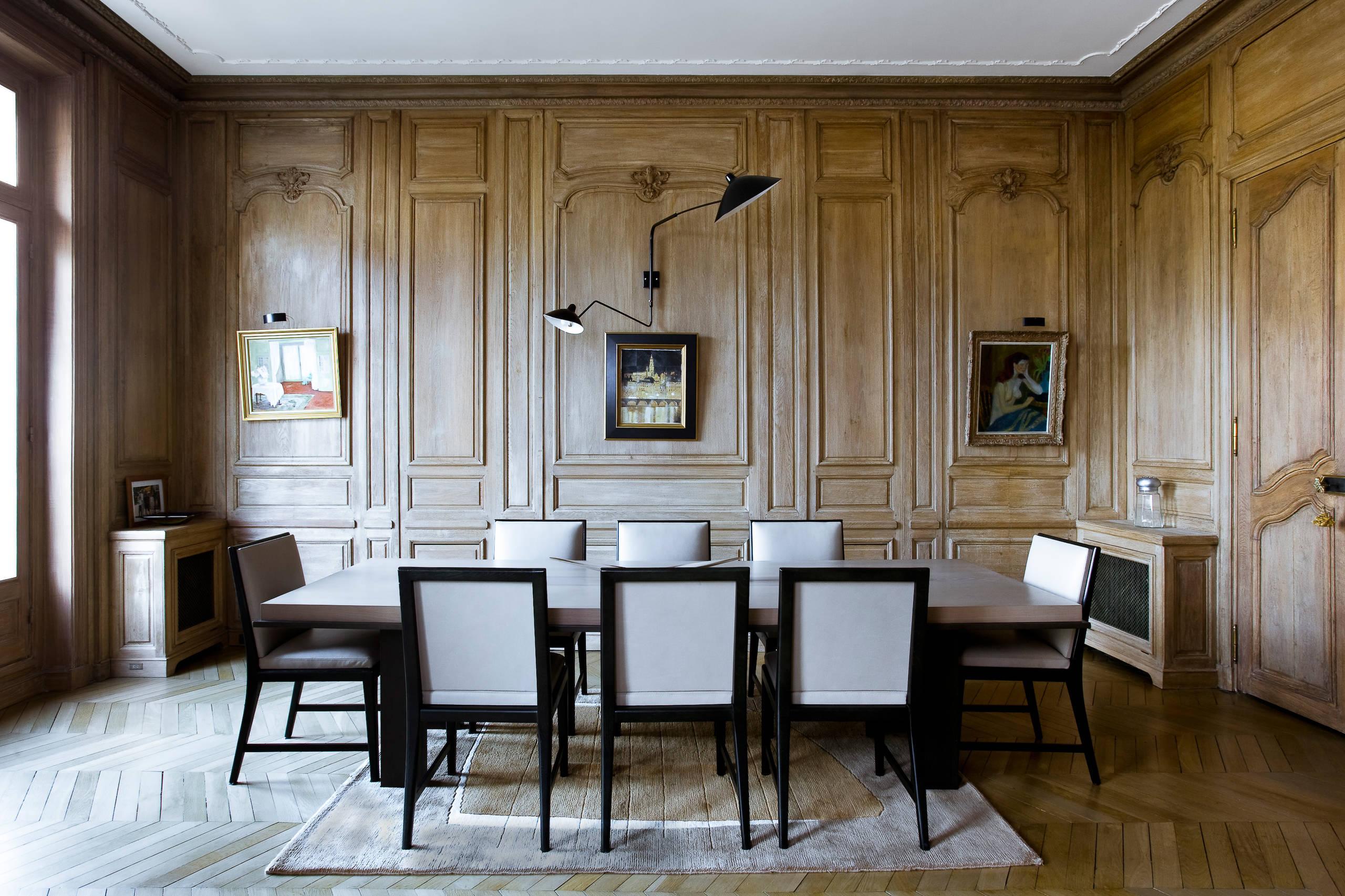 Состаренные панели буазери в интерьере, оформленном в стиле шебби-шик