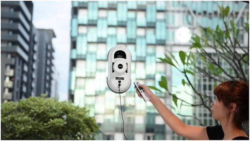 Что представляет собой робот для мытья окон: особенности, преимущества и недостатки